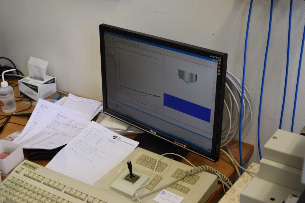 Simulation des Prozesses und Graph auf dem Computer.
